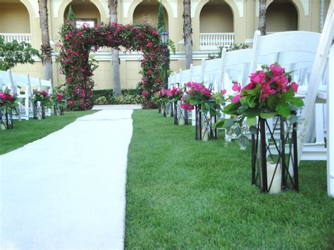 Wedding Aisle Lined With Lanterns by 51 Best Images About Chuppah Chic On Wedding