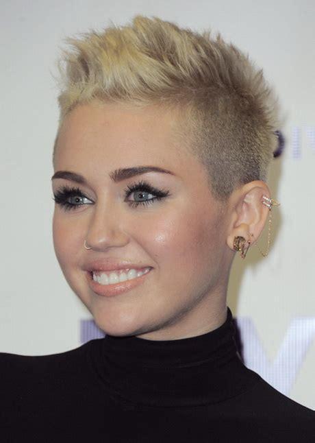 fotos de mujeres con cortes bien cortos en la nuca cortes de pelo muy cortos para mujeres