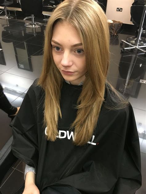 haircut that is all one length one length haircut with square layer and forward