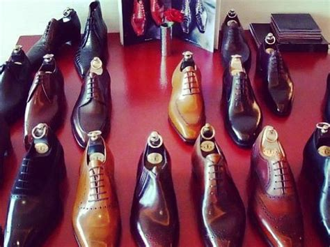 how to stretch leather sandals the right way to stretch your leather shoes business insider