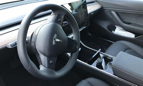 Tesla Model S Sound System Review Tesla Model S X And 3 Will Get An Easy Entry Exit