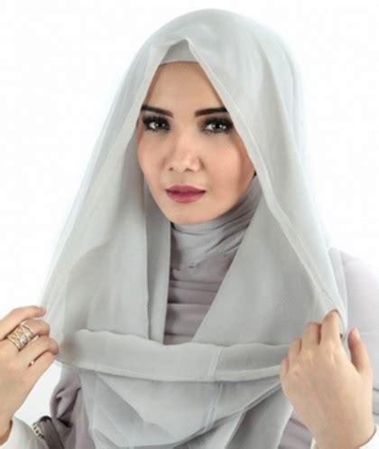Jilbab Instan Untuk Ke Kantor Grosirhijabbogor Tips Pakai Jilbab Instan Untuk Ke Kantor