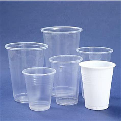 Plastik Paper Cup Es beware of paper plastic cups