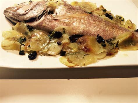 cucinare il dentice al forno dentice al forno con patate olive e capperi ricette