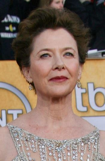 hairstyles annette bening short layered hairstyle