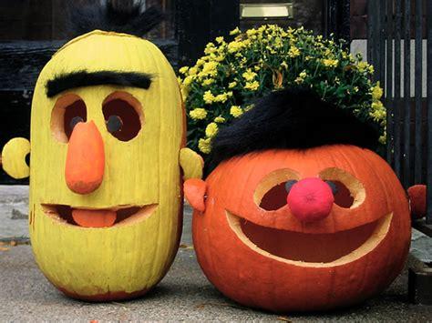 clever pumpkin 21 clever pumpkin carving ideas c r a f t