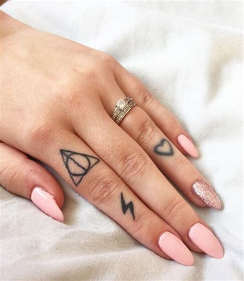 tattooed fingernails best 25 finger tattoos ideas on small simple