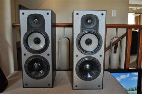 paradigm monitor 5 v4 bookshelf speakers for sale canuck