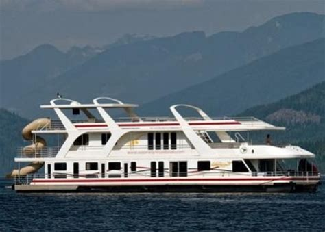house boat to rent shuswap lake houseboating just go pinterest