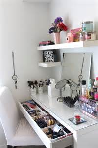 Makeup Desk Ideas Diy This Is Such A Great Way To Organise A Desk It S So