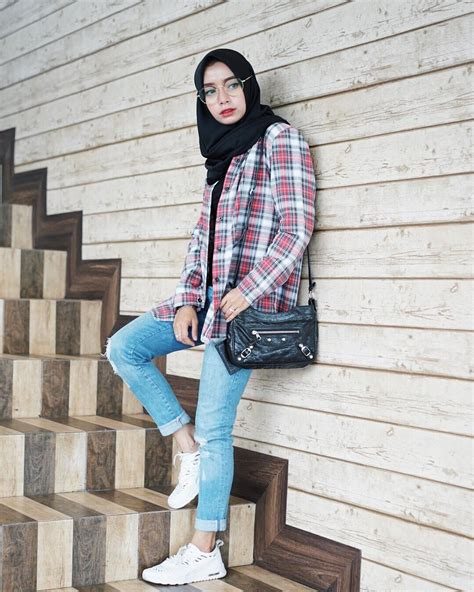 Jegging Sobek Hitam Biru 12 tips memilih celana robek wanita info fashion terbaru 2018