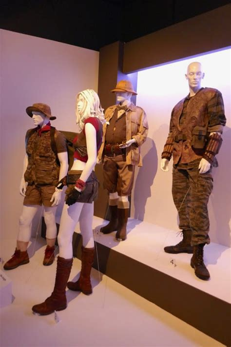 filme schauen jumanji welcome to the jungle sequel hollywood movie costumes and props jumanji welcome to