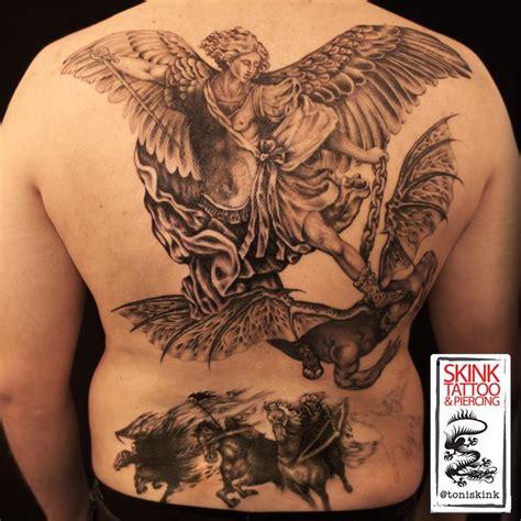 tattoo em progresso s 227 o miguel arcanjo expulsando o