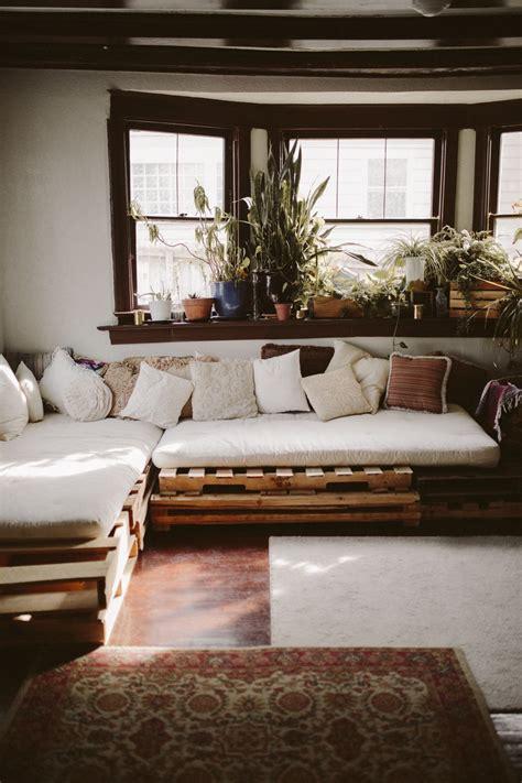 pallet sofa bed sof 225 de pallet tudo sobre esse m 243 vel estiloso funcional