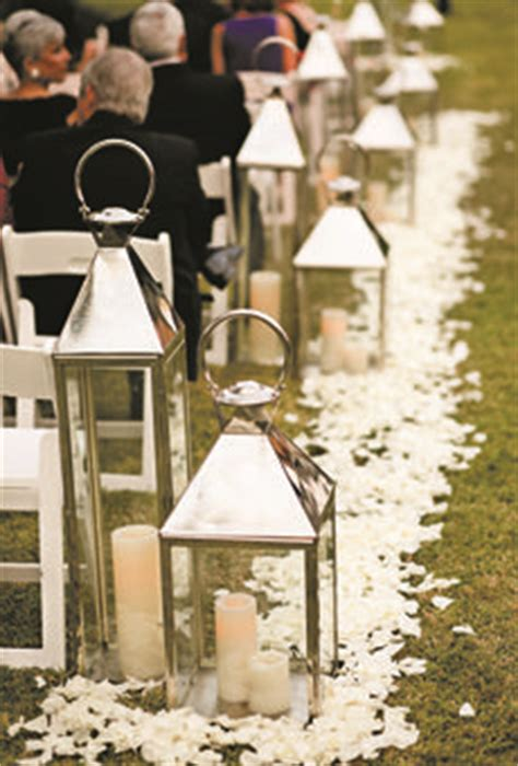 Wedding Aisle Lined With Lanterns by 1000 Images About Lantern Centerpieces Decor Wedding