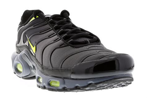 Air Plus nike air max plus tuned 1 grey volt black sneaker