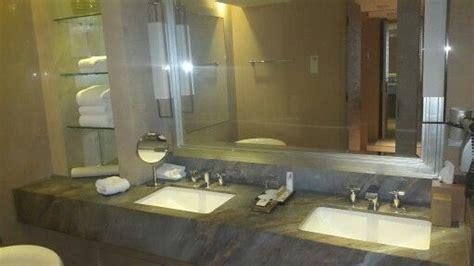 Cermin Kamar Mandi 7 best images about design kamar mandi on hotels showers and marina bay sands
