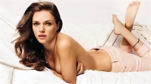 57 Bathtub Tracy Spiridakos S Feet
