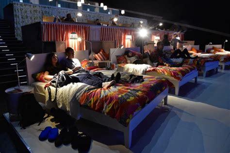 beds in movie theaters il cinema con posti letto apre a napoli ecco hart i