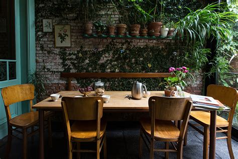 Jungle Kitchen by Un Jardin Dans La Ville