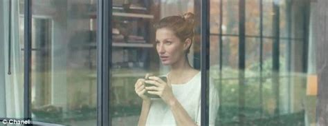Giseles New Not Shabby by Gisele Bundchen Sings As She Strums Guitar For New Chanel