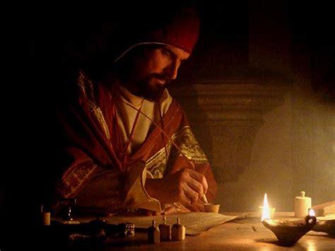 film fantasy medievale atelier scriptorium du calligraphe enlumineur et