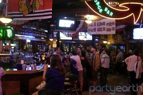 Top Sports Bars In Chicago by Top Five Sports Bars In Chicago Huffpost