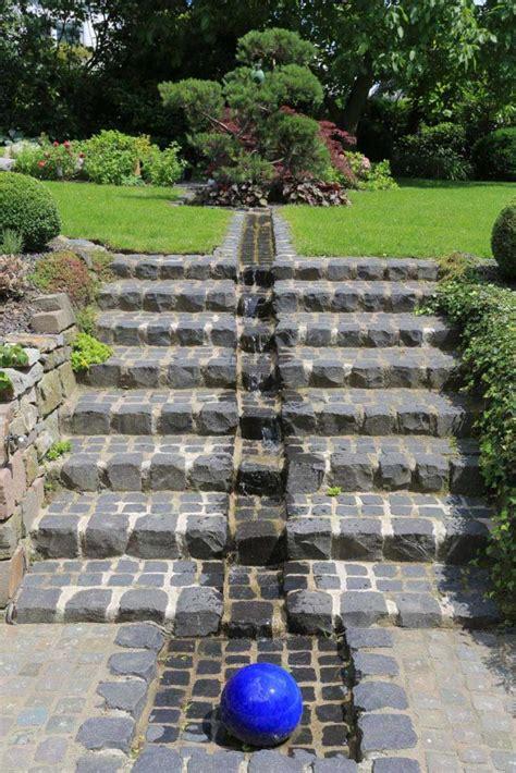 haus und garten hanggarten in wuppertal hausgarten mit trockenmauer und