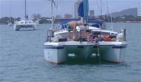 catamaran vs monohull capsize back to top