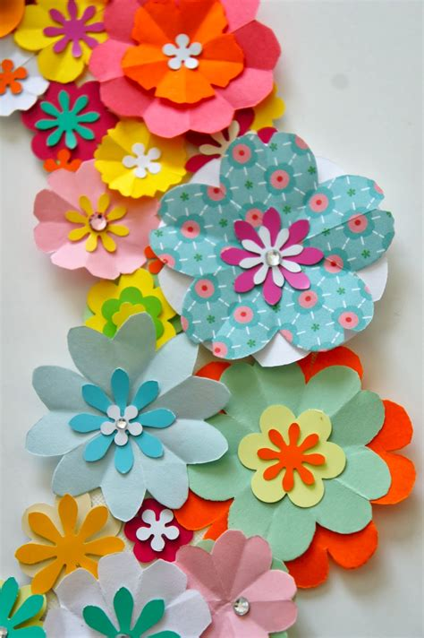 Floral Craft Paper - ideas from the forest wreath of paper flowers