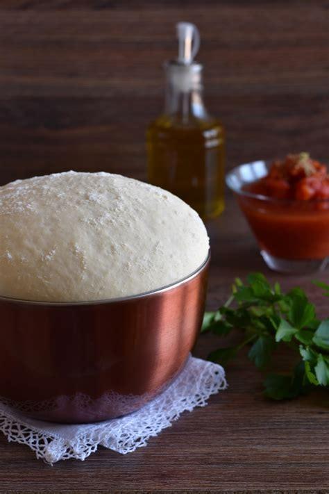 pasta per pizza fatta in casa ricetta pizza fatta in casa in teglia la cucina di liberte