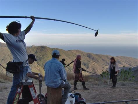 film techniques why does the boom operator have to hold