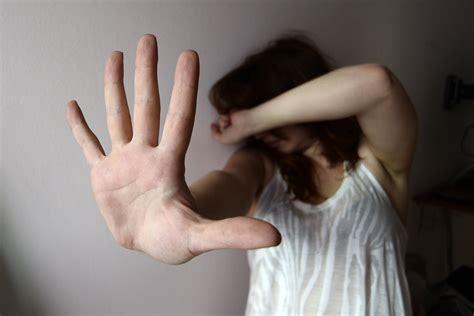 consoli fidanzato violenza sulle donne sconto di pena al compagno di elisa