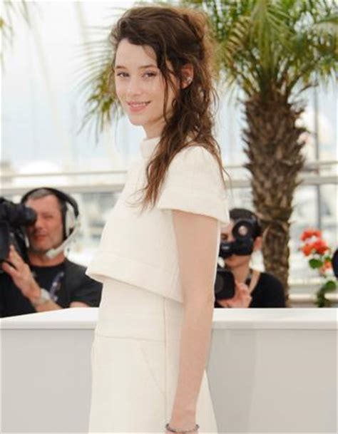 àstrid bergès frisbey height and weight astrid berg 232 s frisbey carte blanche sur le tapis rouge