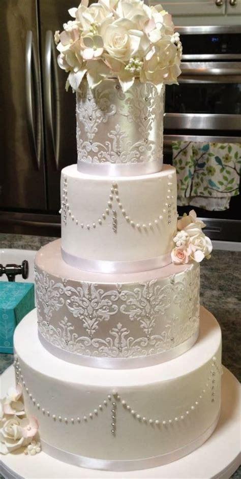 Best 25  Fondant wedding cakes ideas on Pinterest