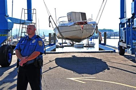boat crash last night man behind hudson wreck may have been drunk officials