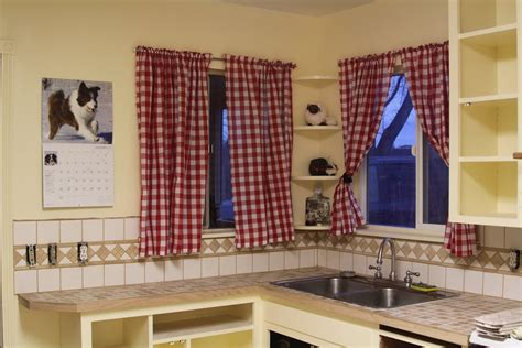 Material For Kitchen Curtains Some Kitchen Window Ideas For Your Home