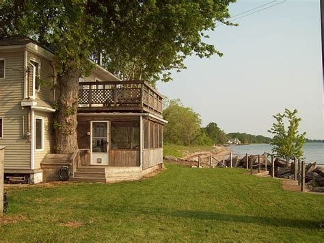 maple shore retreat cottage rental discover pelee island