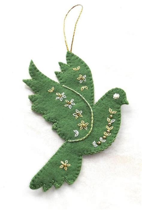Amazing Free Christmas Felt Patterns #1: 4ab18aa9b7ab410f161e1f49727ca0bf--felt-crafts-patterns-felt-ornaments-patterns.jpg
