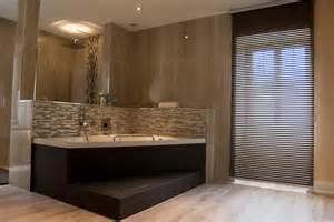 indogate salle de bain moderne avec baignoire