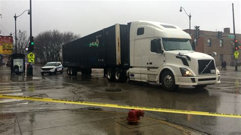 wentworth truck man fatally struck by semi truck in chinatown gumbumper