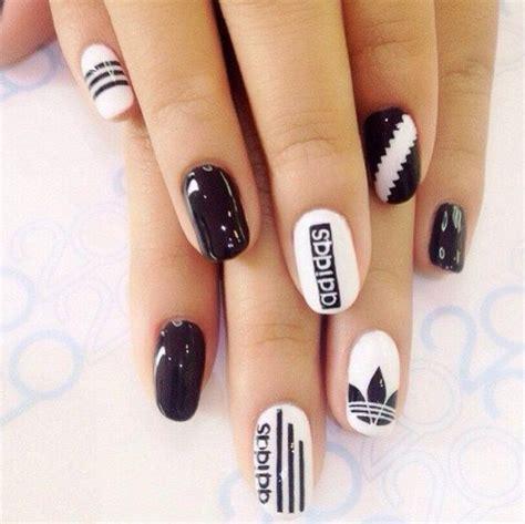 imagenes de uñas pintadas en blanco y negro u 241 as decoradas en blanco y negro 15 dise 241 os creativos
