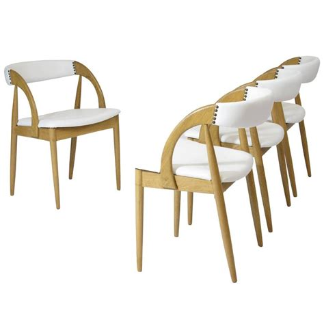 White And Oak Dining Chairs Four White Oak Dining Chairs In White Leather For Sale At 1stdibs