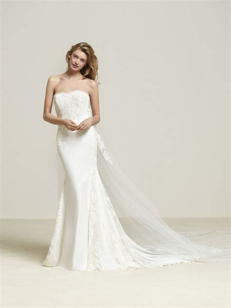 pronovias wedding dresses and cocktail dresses drenibi strapless mermaid style wedding dress with cape