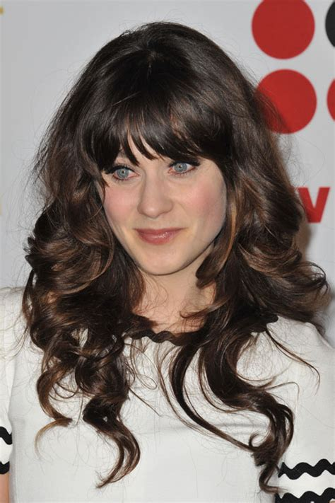 zooey deschanel s hairstyles hair colors style page 2