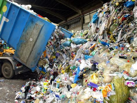 Plastik Di plastik juan malaya