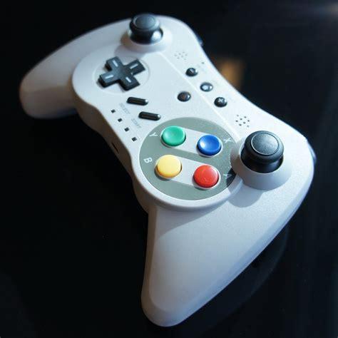 wii u pro controller android pro controller u un gamepad wii et wii u pour le r 233 trogaming et le mobile gamerstuff fr