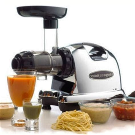 Omega J8006 Nutrition Center Commercial Masticating Juicer Review