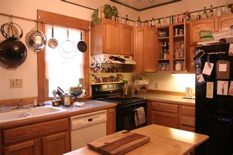 How To Clean Kitchen Cabinet How To Clean Kitchen Cabinets