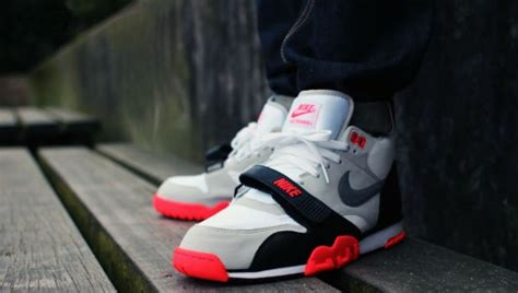 Sepatu Basket Air Trainer 1 Infrared Black White nike air trainer 1 prm qs infrared fashion and style